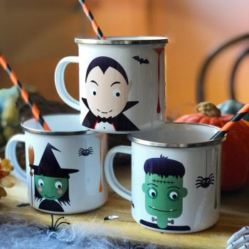 Childrens halloween party mugs