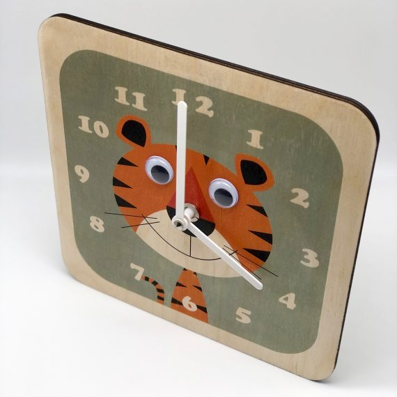 Wobbly-eyed-Wooden-Animal-Tiger-Clock-by-Stripey-Cats