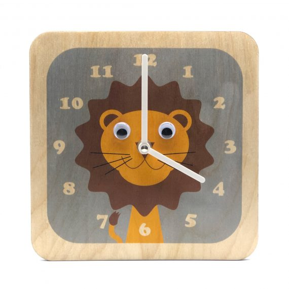 Wobbly-eyed-Wooden-Lion-Clock-by-Stripey-Cats