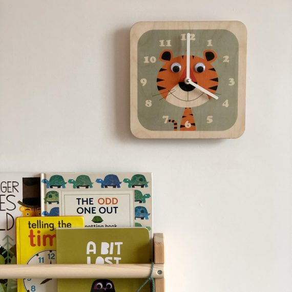 Wooden-Tiger-Clock-in-room-by-Stripey-Cats