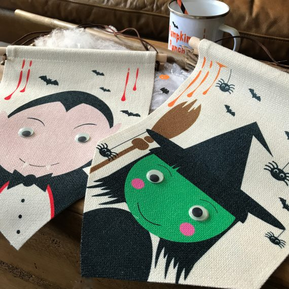Dracula-and-Witch-Halloween-Flags